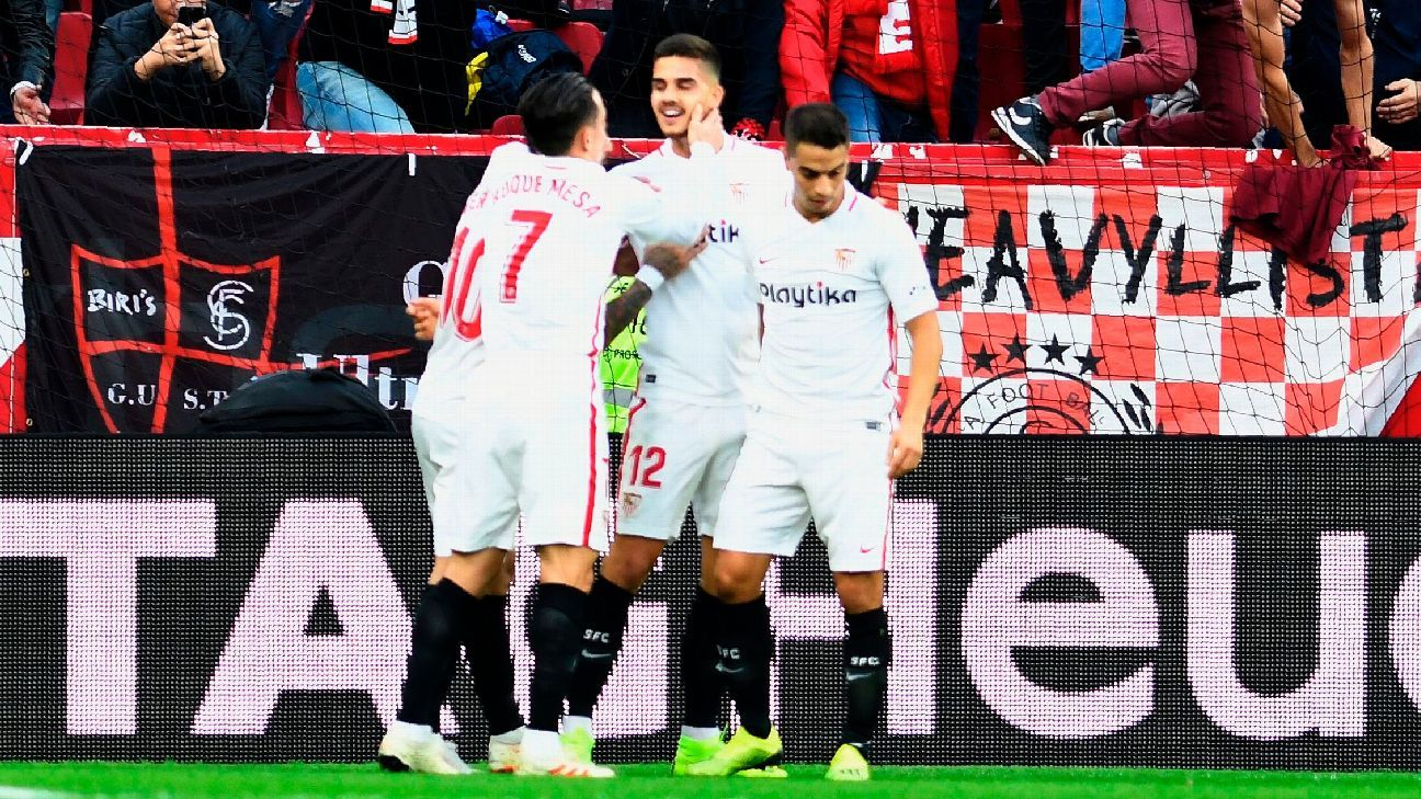 Andre Silva fires Sevilla top of La Liga with winner vs. Valladolid