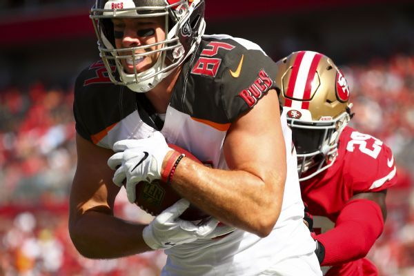 Buccaneers TE Cameron Brate had surgery to repair torn labrum in hip