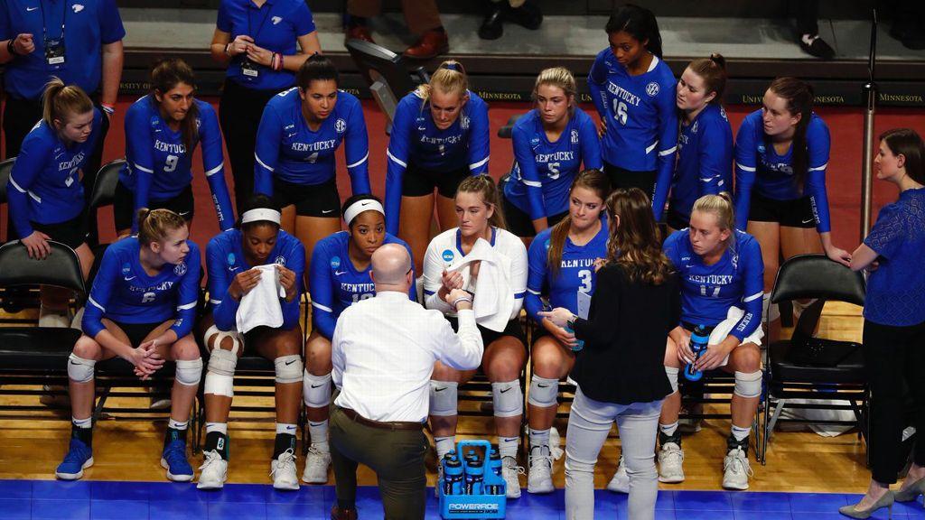 Kentucky's historic season ends in Sweet 16