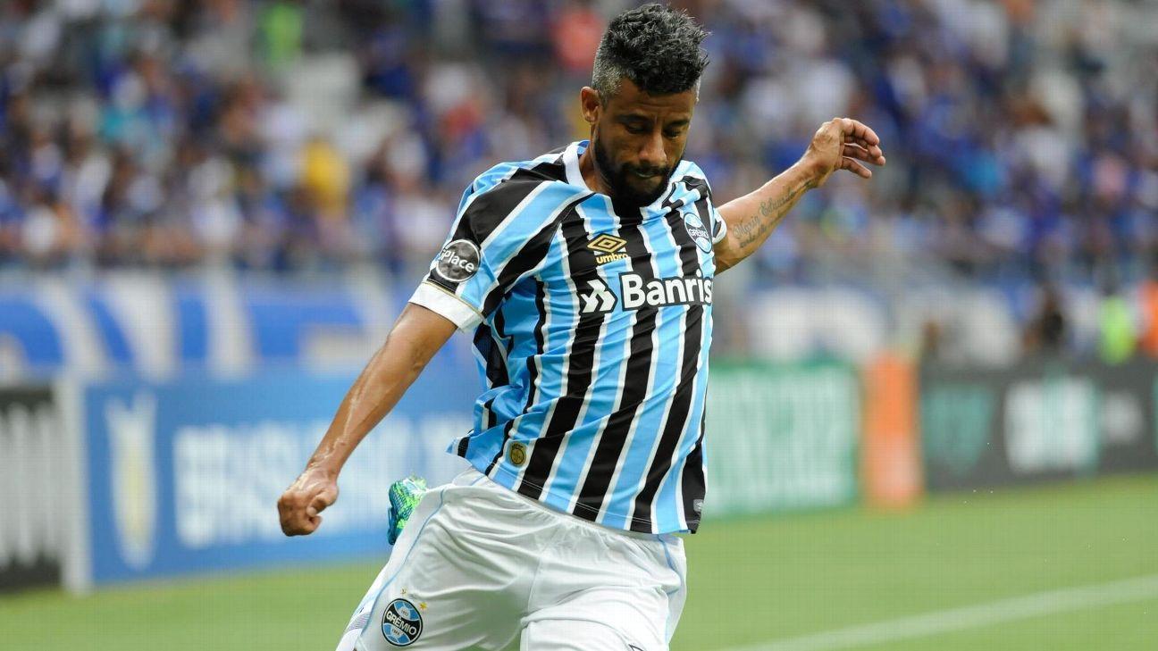 Grêmio prorroga contrato de Léo Moura por mais um ano