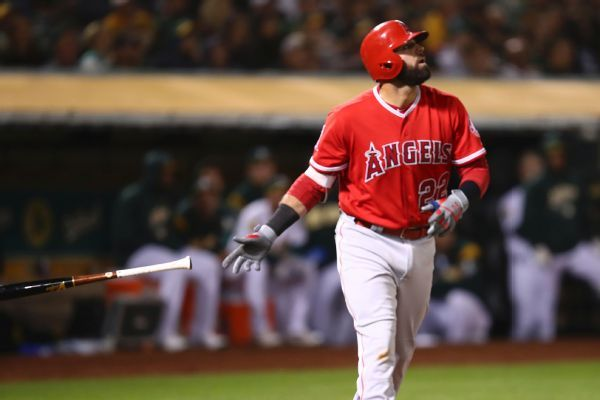 Mariners claim Kaleb Cowart, will try him as two-way player