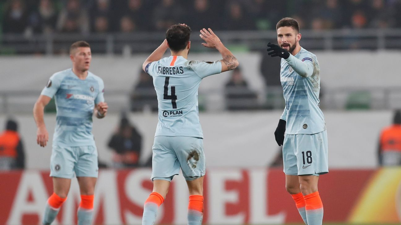 Sensational Giroud free kick earns Chelsea draw vs. Vidi in Europa League