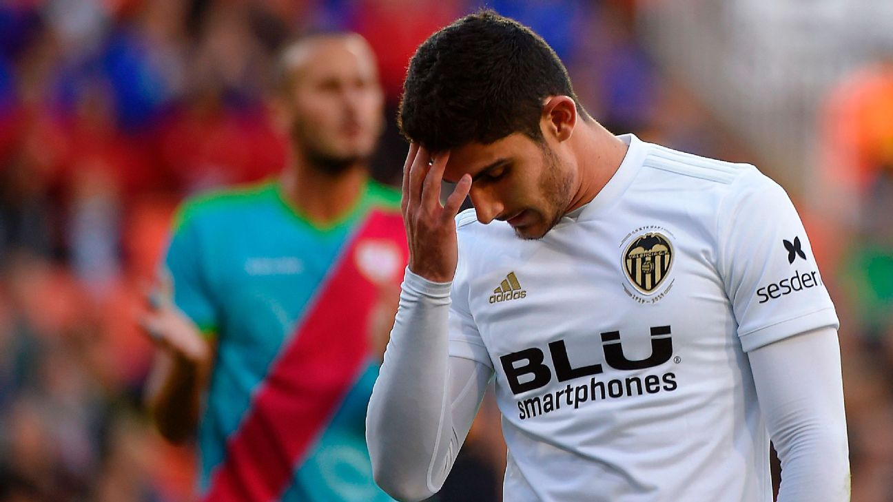 Valencia's Goncalo Guedes out two months after abdomen surgery