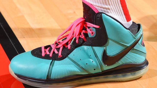 Which player had the best sneakers of Week 9 in the NBA?