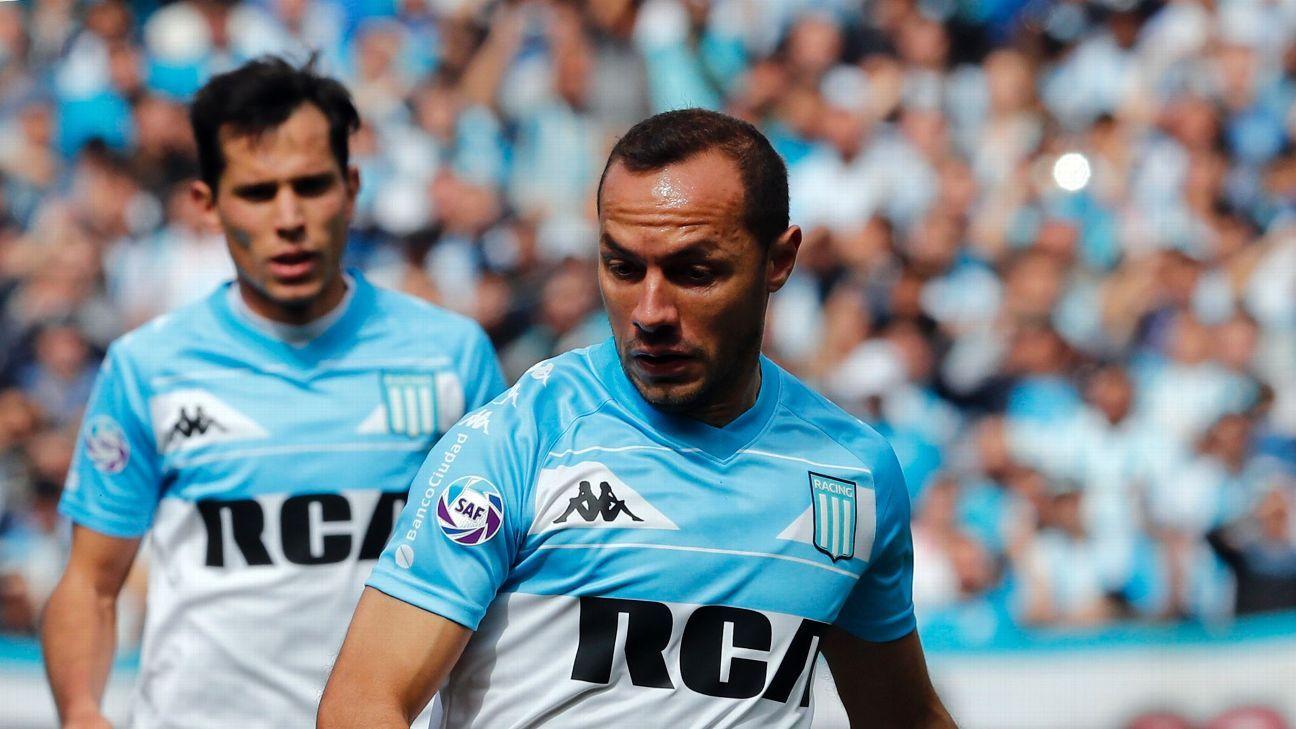 Marcelo Díaz se entrenó a la par del grupo