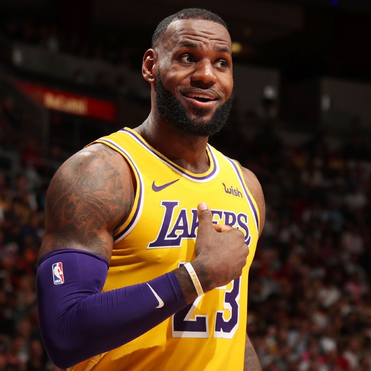 b3bba62c1 LeBron James of Los Angeles Lakers back in full-contact drills