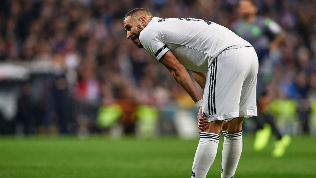 Lucas Vazquez sent off as Real Madrid lose at home to Real Sociedad
