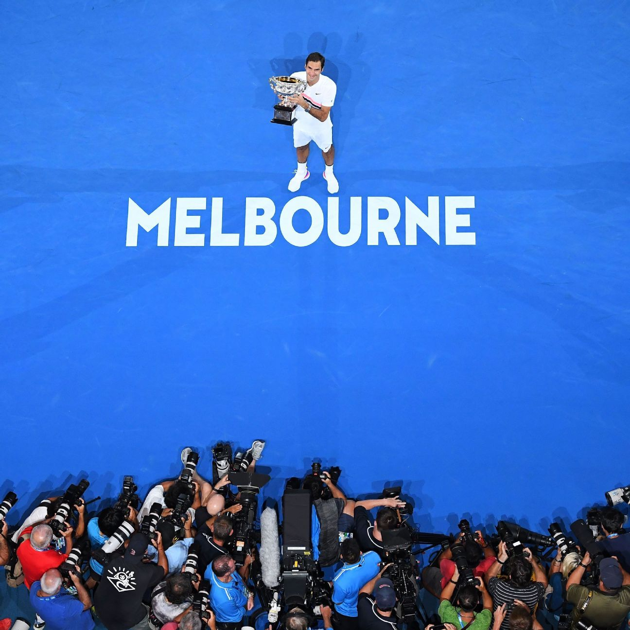 Australian Open Men's Roundup -- Monday First-round Matches