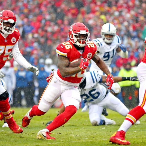 Chiefs' Damien Williams goes from afterthought to feature back