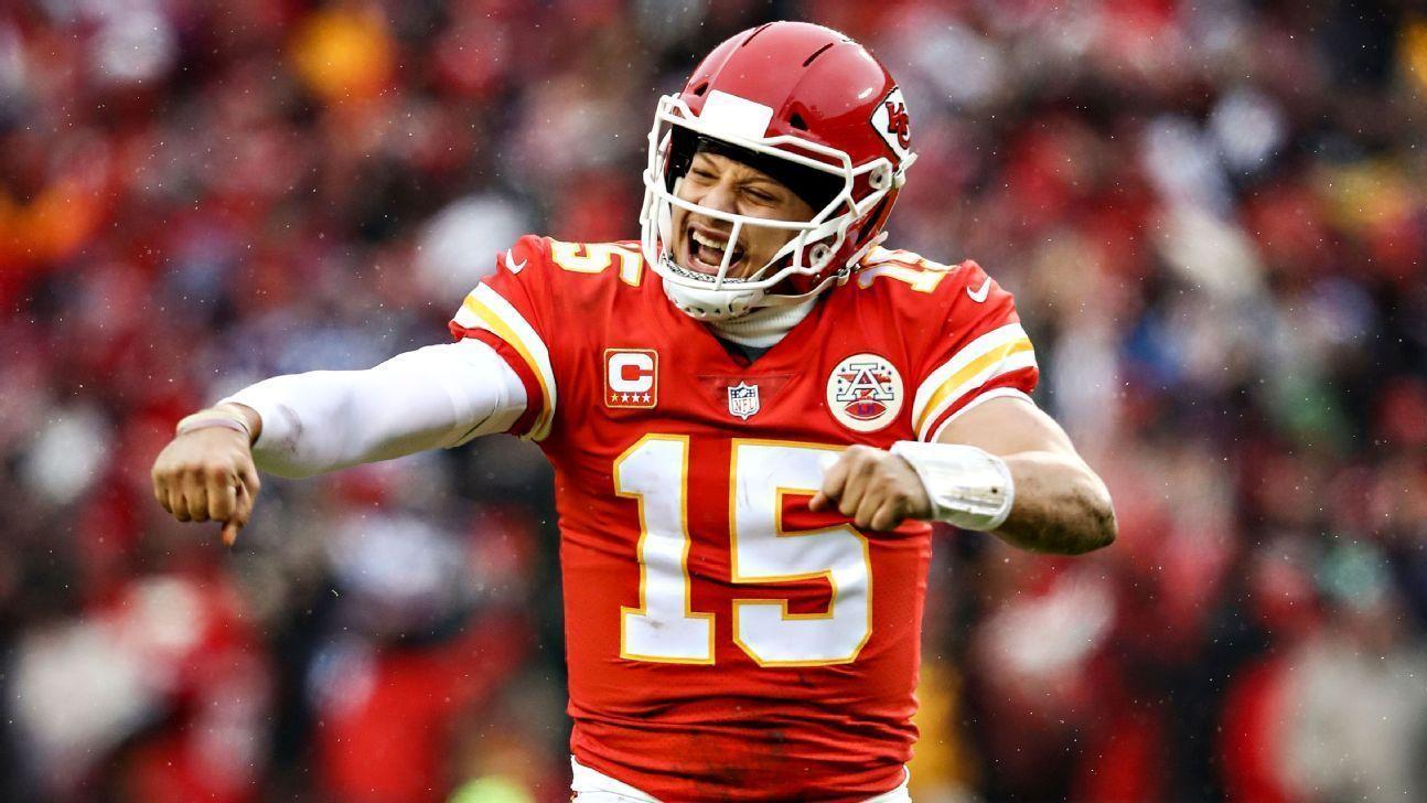 QB dos Chiefs, Mahomes é eleito melhor jogador do ano por associação de jornalistas da NFL
