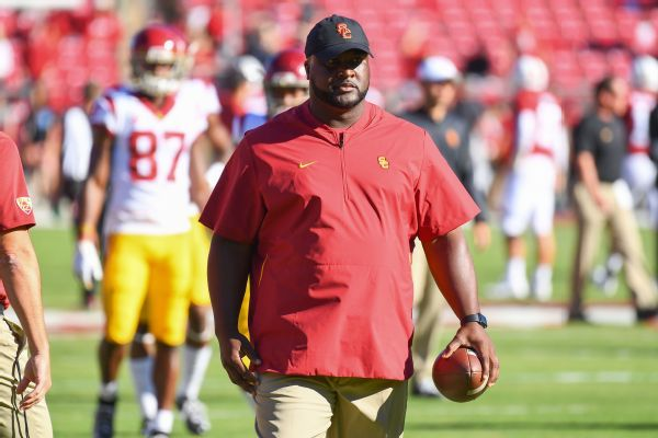 Ex-Tennessee QB Tee Martin to join Vols' coaching staff, sources say