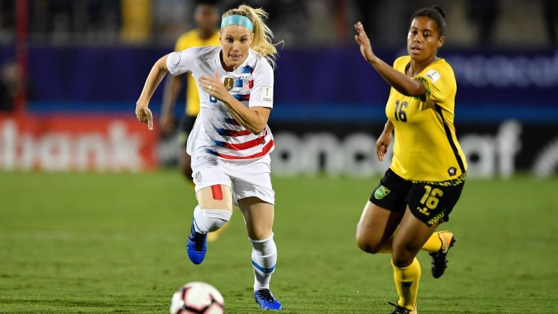 Before World Cup, U.S. women spend rare time alone in Portugal