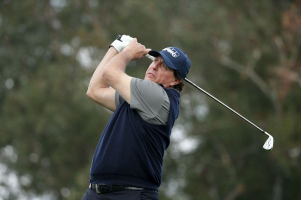 Phil Mickelson shoots 12-under 60, matching career-low score
