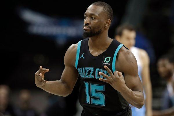 Dwyane Wade, LeBron James help Heat tie NBA Finals at 2-2