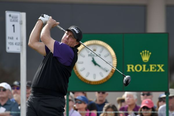 Phil Mickelson shoots 68, leads Desert Classic by two strokes