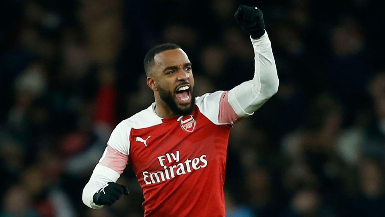 Arsenal resolve no primeiro tempo, vence clássico com o Chelsea e esquenta briga na Premier League