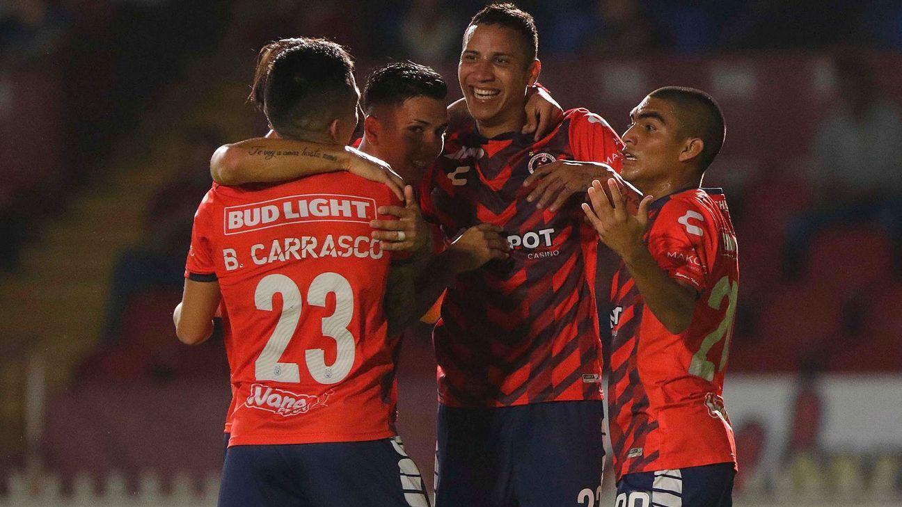 Veracruz logra primera victoria con doblete de Chávez