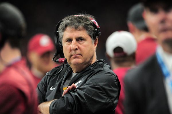 Mike Leach to teach seminar titled 'Insurgent Warfare and Football Strategies' at Washington State