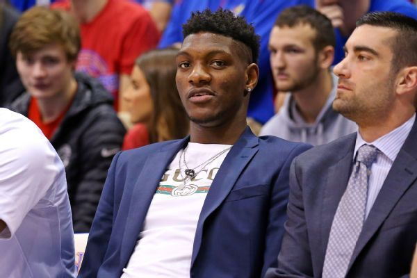 Jayhawks' De Sousa wins appeal, eligible to play