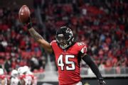 Falcons, LB Jones reach $57M deal through '23