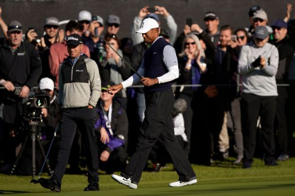 Tiger Woods in position to make cut at Genesis Open