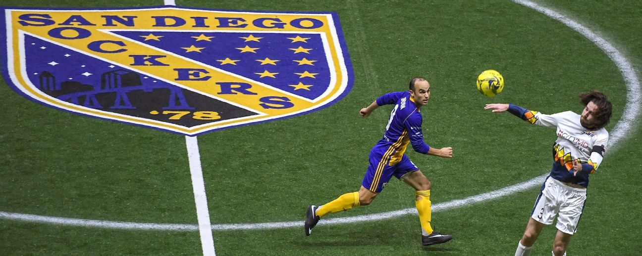 Photo story: Landon Donovan's indoor soccer debut with San Diego Sockers