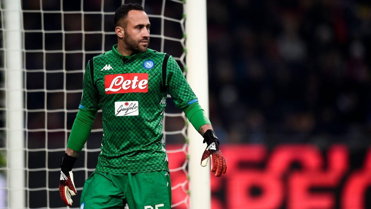 Napoli igualó con Torino y se aleja de Juve