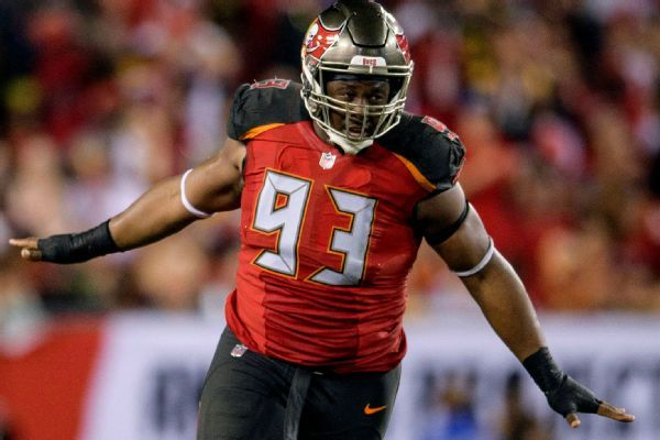 Browns to host ex-Bucs DT McCoy for a visit