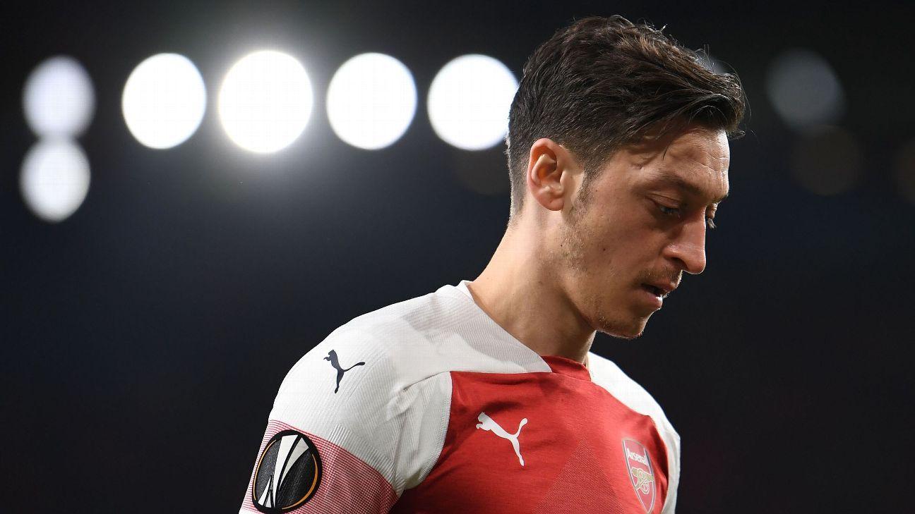Arsenal's Mesut Ozil misses his chance to convince Unai Emery