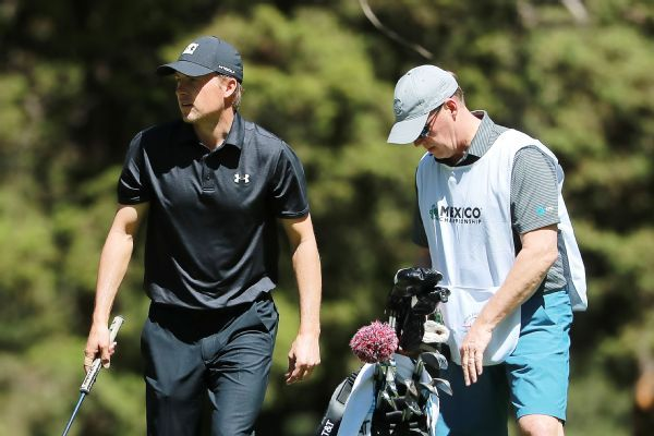 Jordan Spieth shoots 75 in first round with father as caddie