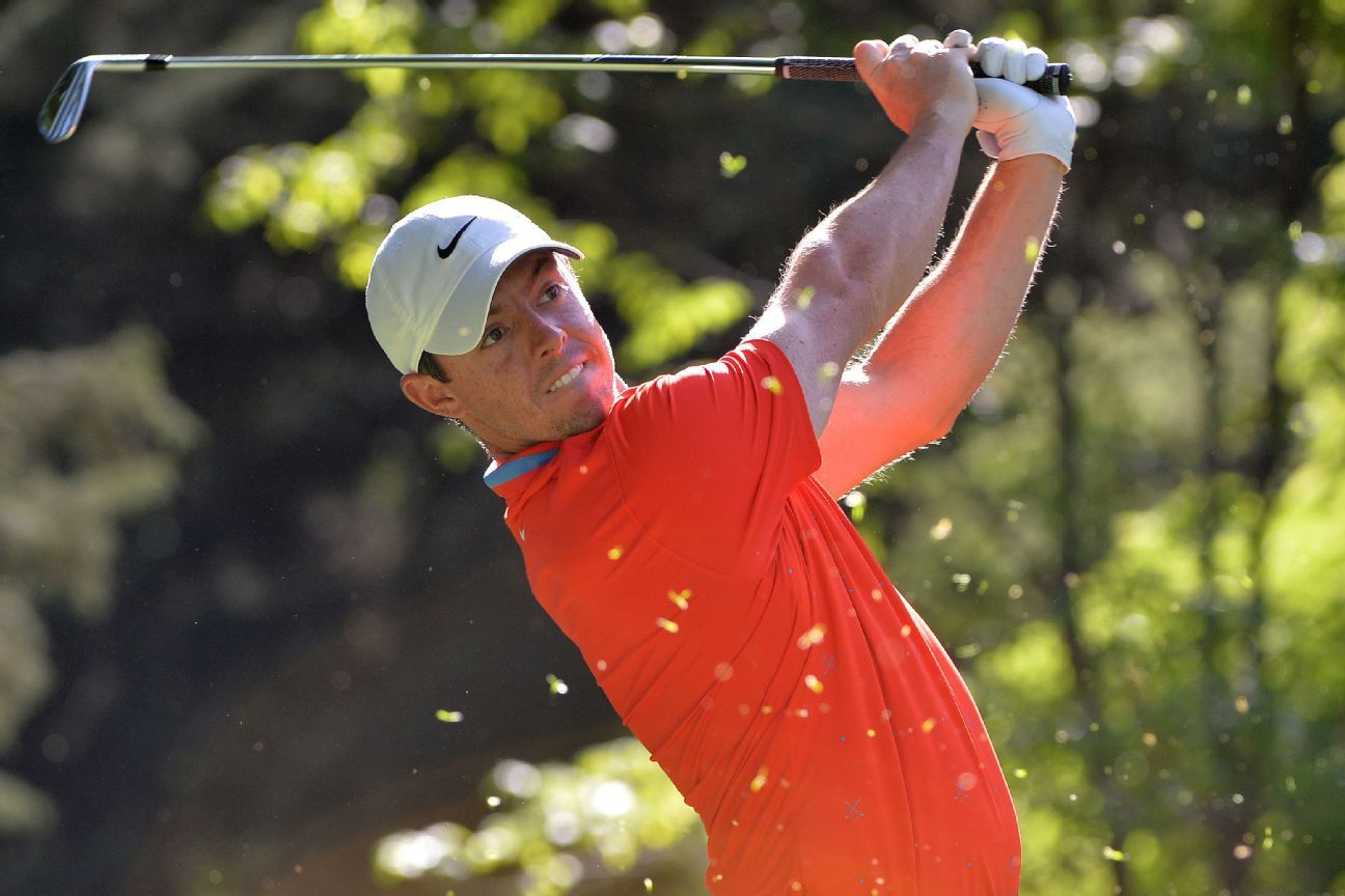 Rory McIlroy leads Dustin Johnson by a stroke at Mexico Championship