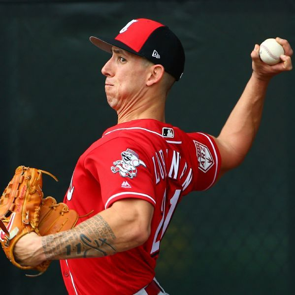 Reliever Michael Lorenzen looks for spot in Reds' outfield