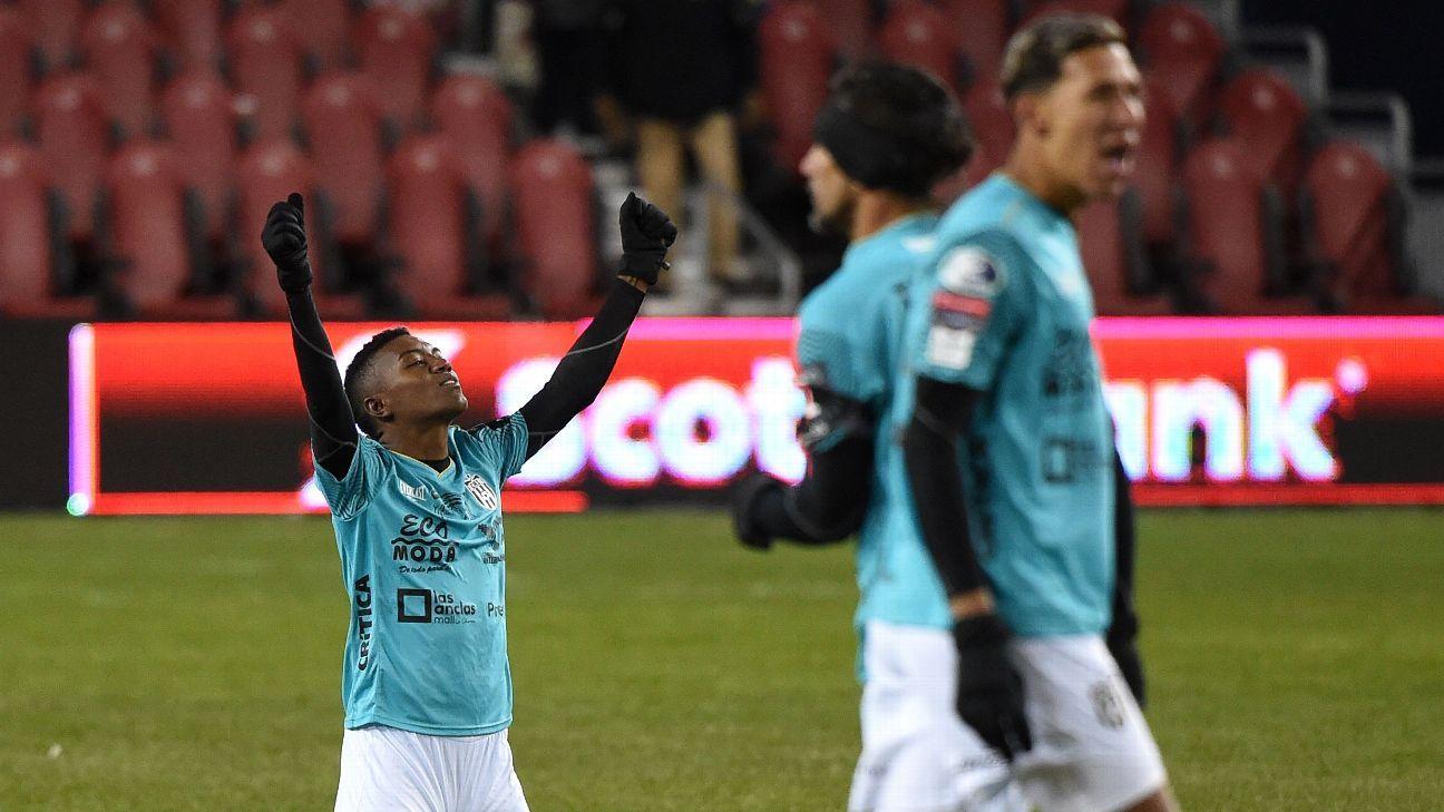 Club Atletico Independiente eliminate Toronto FC, Houston Dynamo advance past Guastatoya