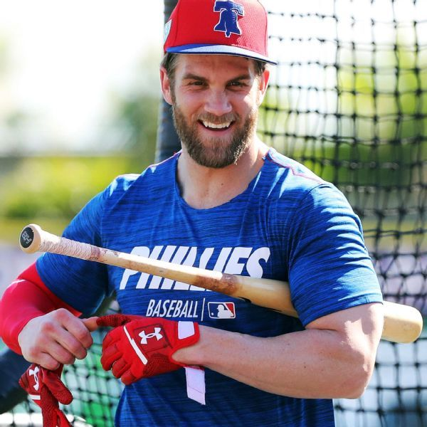 Harper gets first spring training hit for Phillies