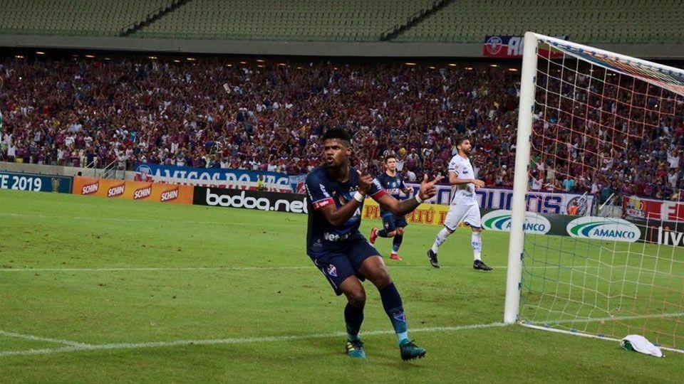 Fortaleza goleia e retoma liderança do grupo A na Copa do Nordeste