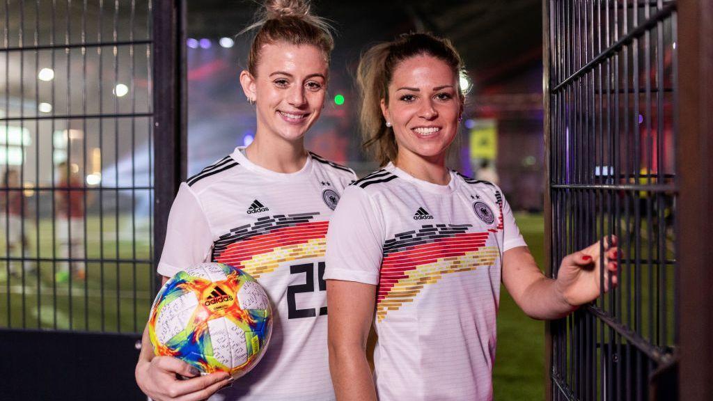Adidas anuncia bono igualitario para mujeres que participen en el Mundial femenil