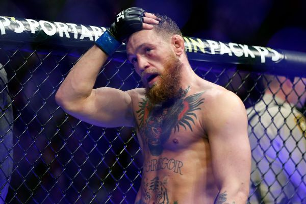 McGregor's hand in cast after sparring injury