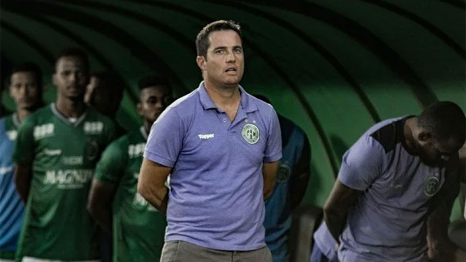 "Após derrota ""vergonhosa"", Guarani demite o técnico Osmar Loss"