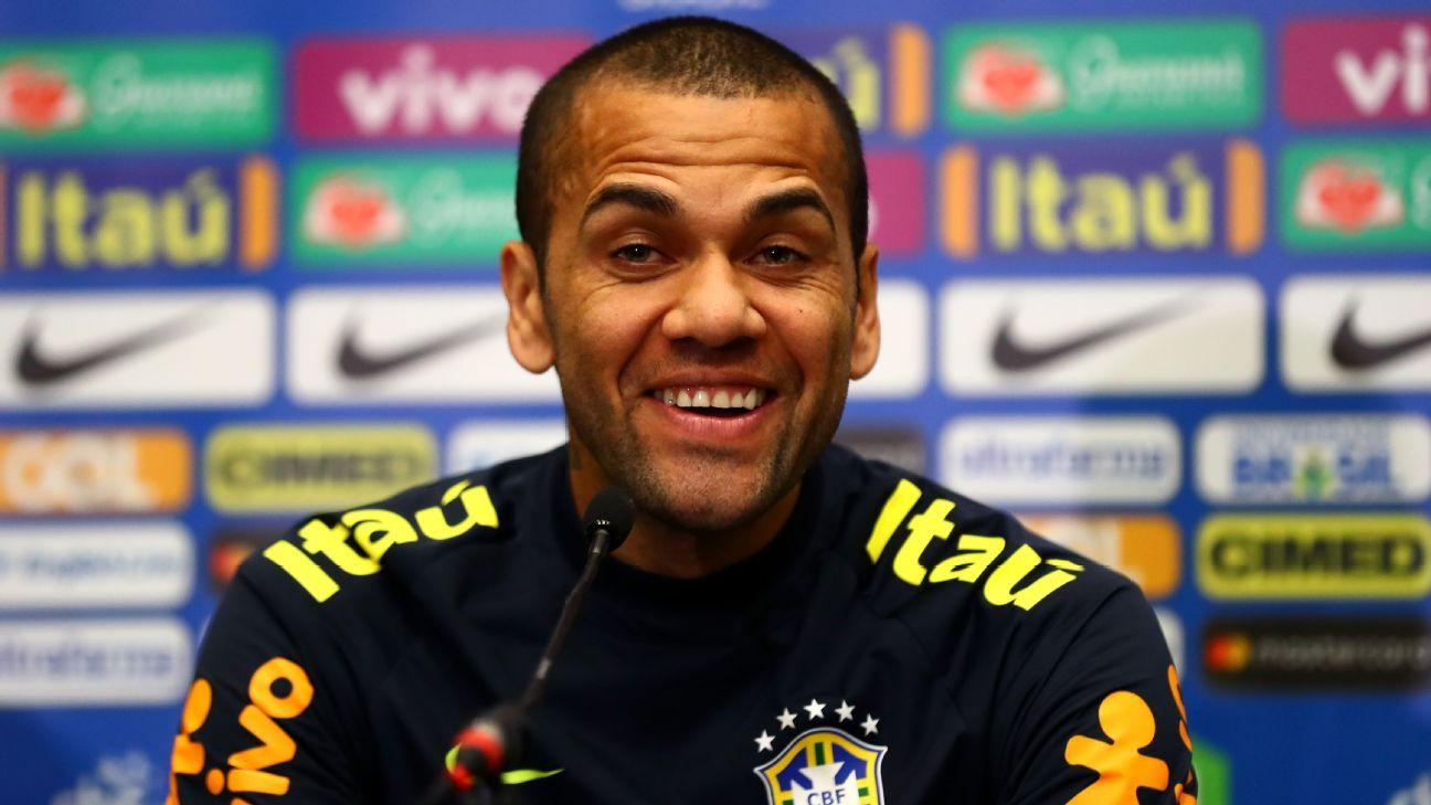 Dani Alves out of Brazil squad for March friendlies with knee injury