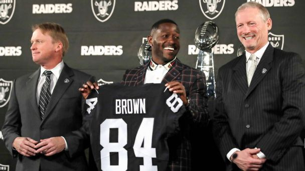 Raiders' splashy start to free agency sets stage for 'surgical' approach to draft