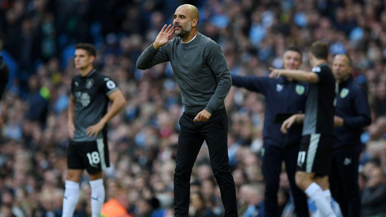 Pep Guardiola luce su estilo tanto en tácticas como en vestimenta