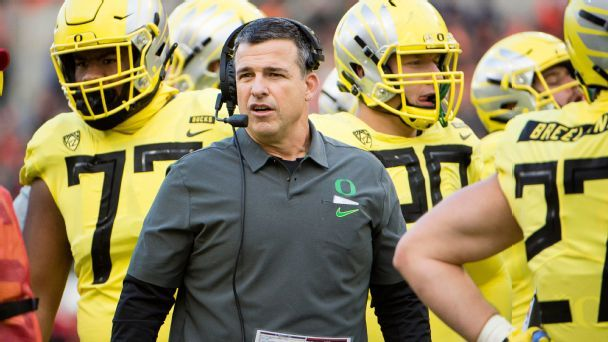 Mario Cristobal leading Oregon's rise in Pac-12 recruiting