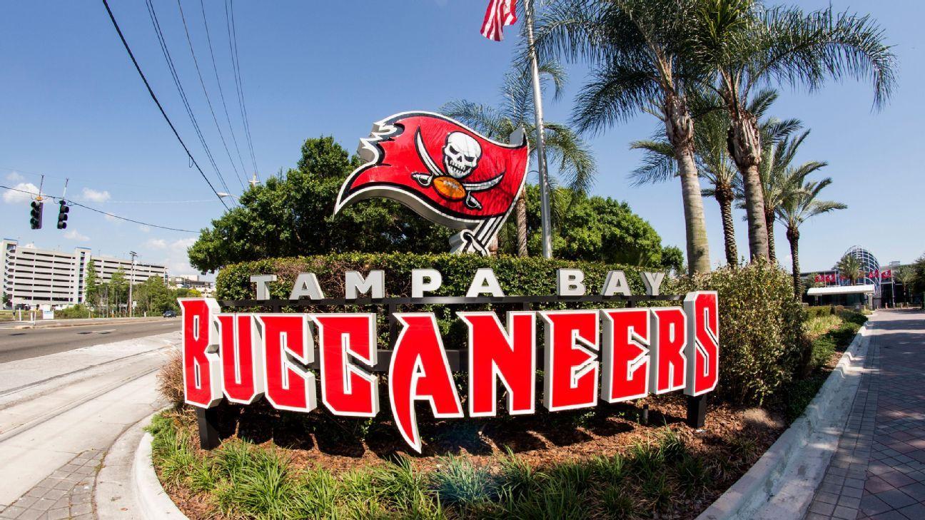 Buccaneers contratan a dos coaches mujeres de tiempo completo