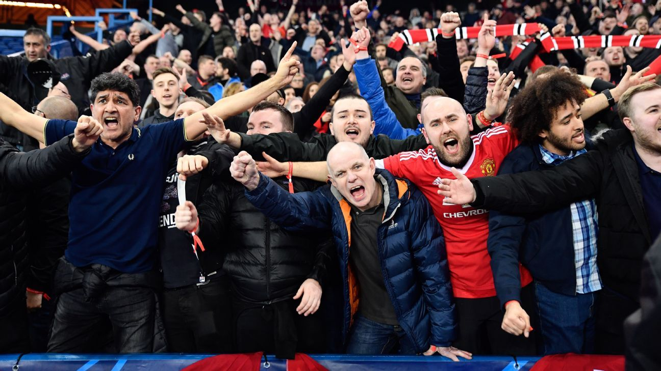 Barcelona cobra ingresso caríssimo de torcedores do Manchester United para jogo da Champions League, e clube inglês 'contra-ataca'
