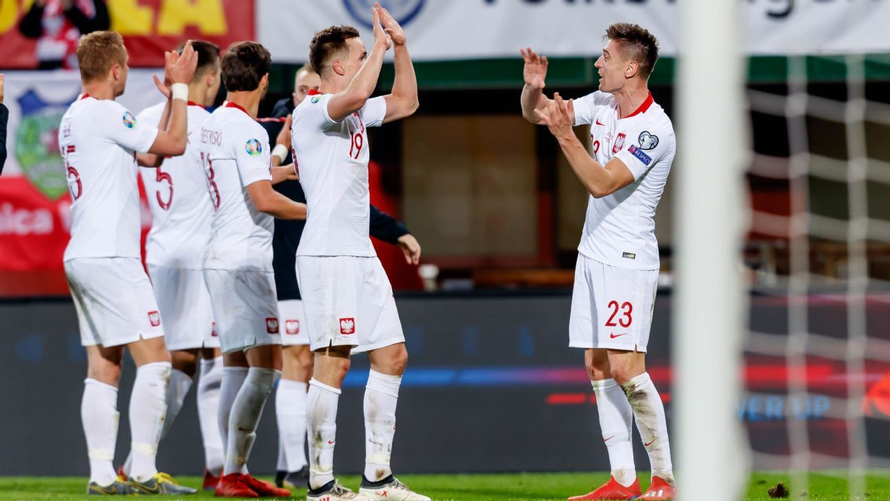 Substitute Krzysztof Piatek gives Poland win in Austria