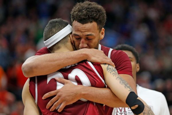 NMSU passes up tying layup, falls short in thriller