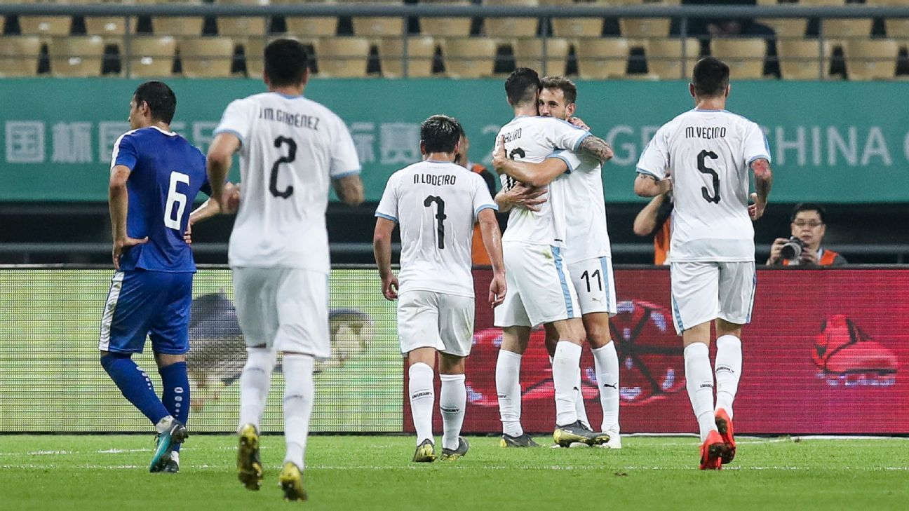 Cristhian Stuani scores twice as Uruguay cruise past Uzbekistan