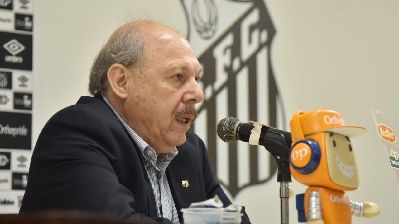 Santos paga salário, e presidente diz que morte de Emiliano Sala influenciou em atraso