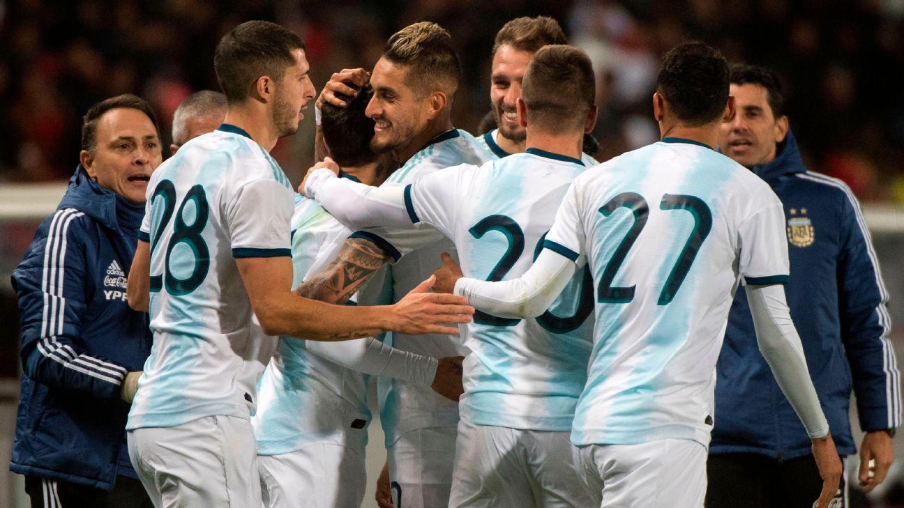 Sem Messi, Argentina bate Marrocos com gol de Correa em amistoso do 'pé torto' e com show de faltas