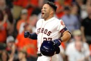 Hinch: Altuve could return to Astros Wednesday